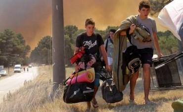 Alarma en Claromecó por un gran incendio que afecta a la reserva forestal