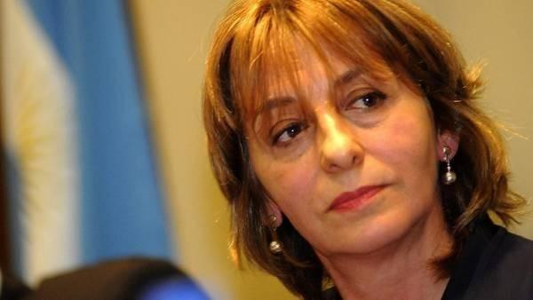 FISCALIA: Reclaman a Gils Carbó fiscales