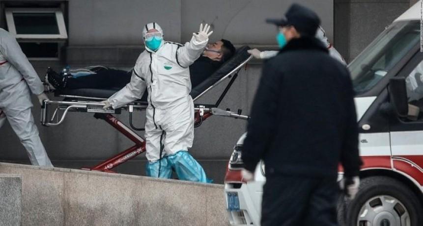 """China endureció las medidas para luchar contra el coronavirus y admite que se """"está fortaleciendo"""": los muertos ya son 80"""