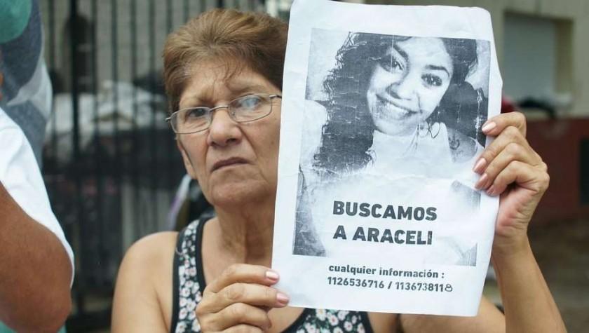 ANGUSTIA: Familiares y vecinos buscan desesperadamente a Araceli Fulles