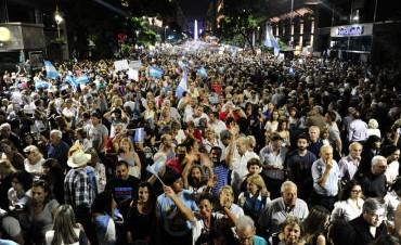 MULTITUDINARIA: marcha a favor de Mauricio Macri