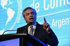 Alberto Fernández analiza extender la cuarentena obligatoria hasta el 8 de junio