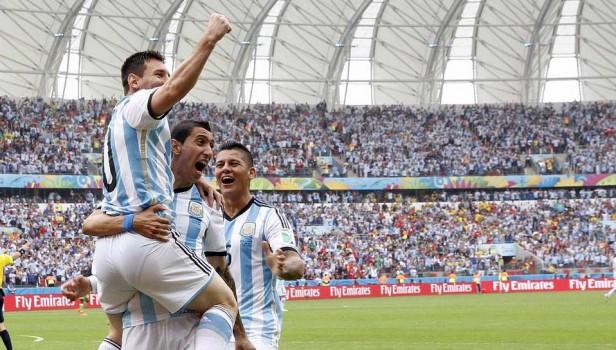 FÚTBOL: Buen triunfo de Argentina sobre Nigeria