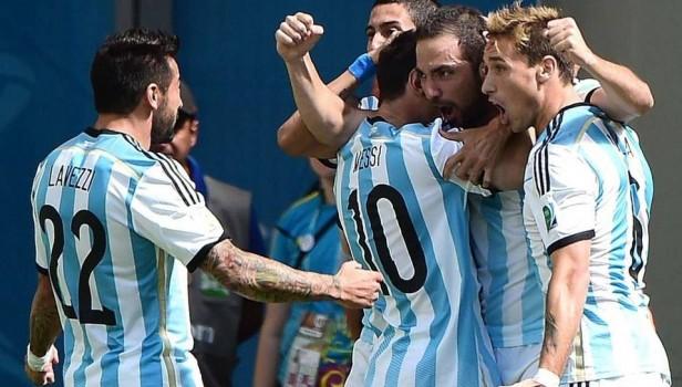 FÚTBOL: A lo CAMPEÓN!!!! Argentina a semifinales después de 24 años!!