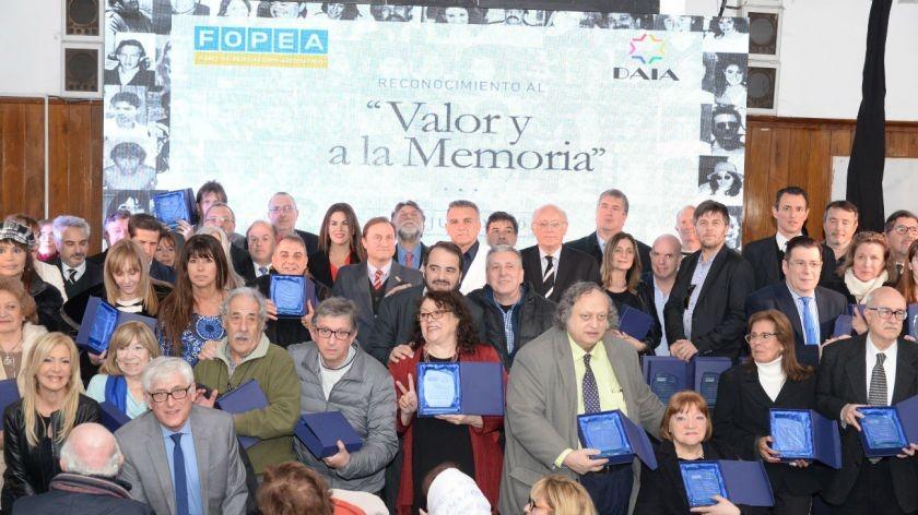 Distinguieron por el Valor y la Memoria a los periodistas que cubrieron el atentado a la AMIA