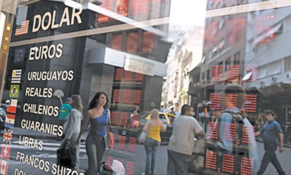 DÓLAR A 34,50 ECONOMÍA EN CAÍDA LIBRE