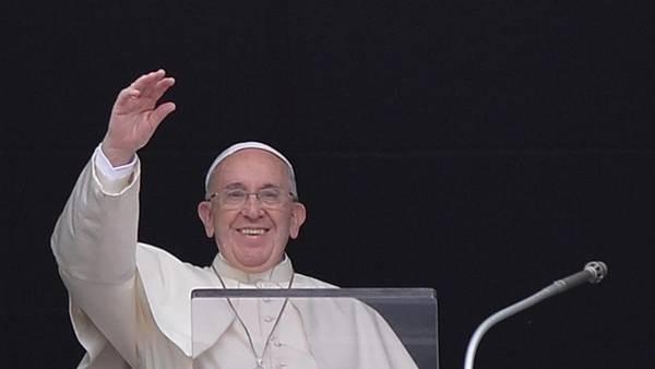 FRANCISCO: El papa  pidió a las parroquias de Europa que reciban a refugiados
