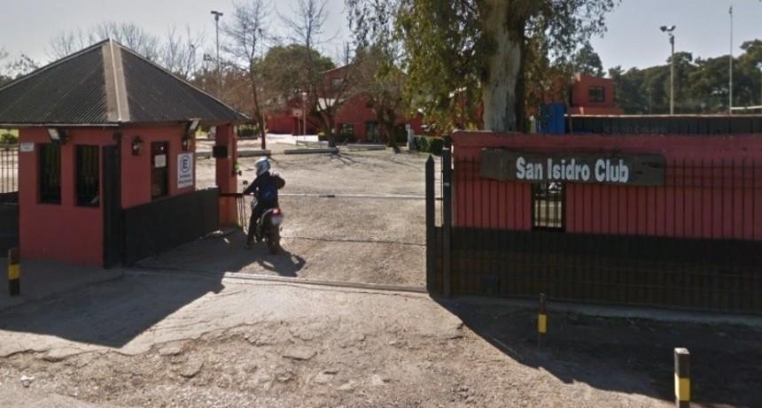Debe $ 800.000 de cuota alimentaria y la Justicia ordenó que le prohíban entrar al San Isidro Club