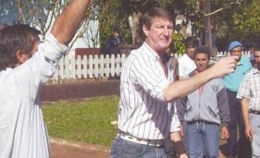 MISIONES: Un ex intendente prófugo se escapó a los tiros y en canoa