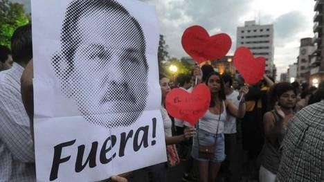Masiva protesta y bronca en Tucumán contra Alperovich