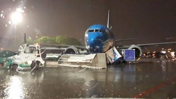 TEMPORAL: Daños en un avión y árboles caídos