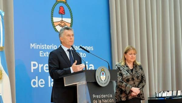 MACRI:  firmó el decreto que exime de Ganancias el aguinaldo