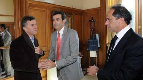 Randazzo se reunió a solas con Macri y Scioli en la Rosada