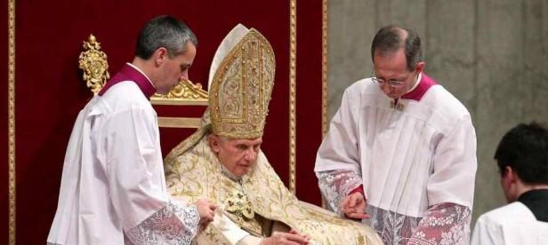 Renuncia el Papa Benedicto XVI: dice que ya no tiene fuerzas