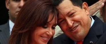 Cristina Kirchner decretó tres días de duelo y viajará a Caracas