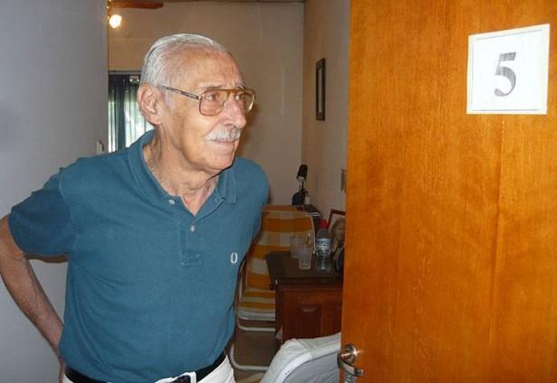 Según forenses, Videla murió por fracturas y una hemorragia interna
