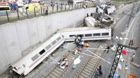 Descarriló un tren de alta velocidad en España: hay al menos 80 muertos