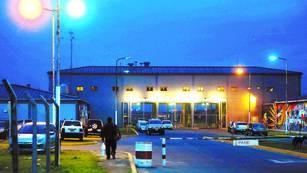 Cómo y por qué se relajó la custodia en la cárcel de Ezeiza