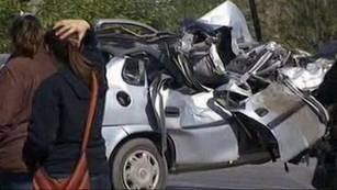 Chocaron un camión y un auto en Benavídez: murieron 5 jóvenes