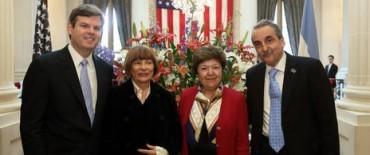 Nuevo papelón de Moreno: les gritó a periodistas de Clarín en la embajada de EE.UU.