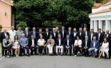 MACRI:  almorzó con todos los gobernadores en Olivos
